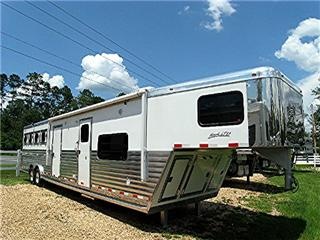 Integrity Horse Trailers